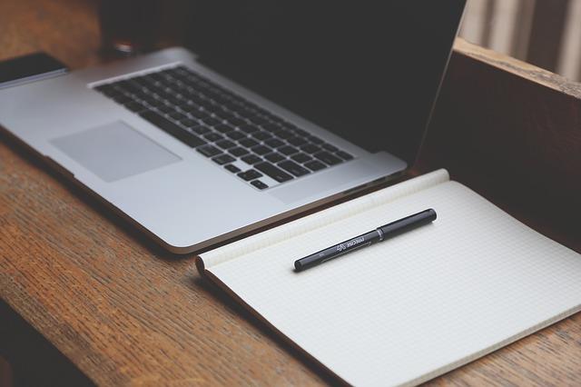 Brug internettet til at skaffe job